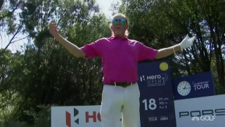 Jimenez near-hole-in-one on 18 at Hero